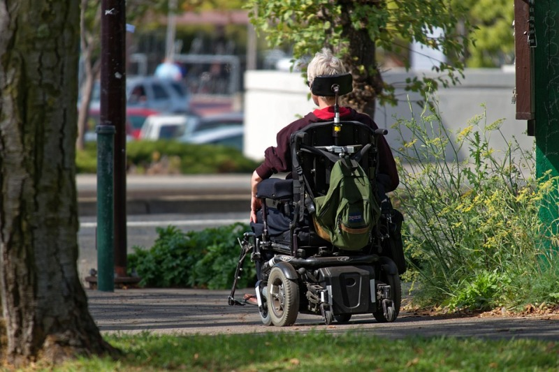 deplacement fauteuil roulant
