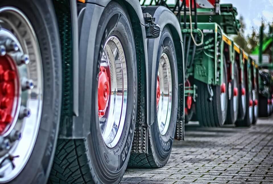 Transporter des marchandises: bien choisir le transporteur